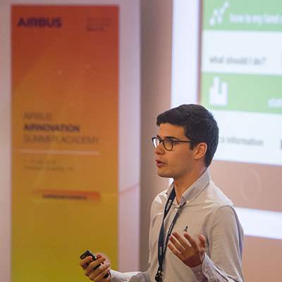 Student speaking at Airbus Airnovation