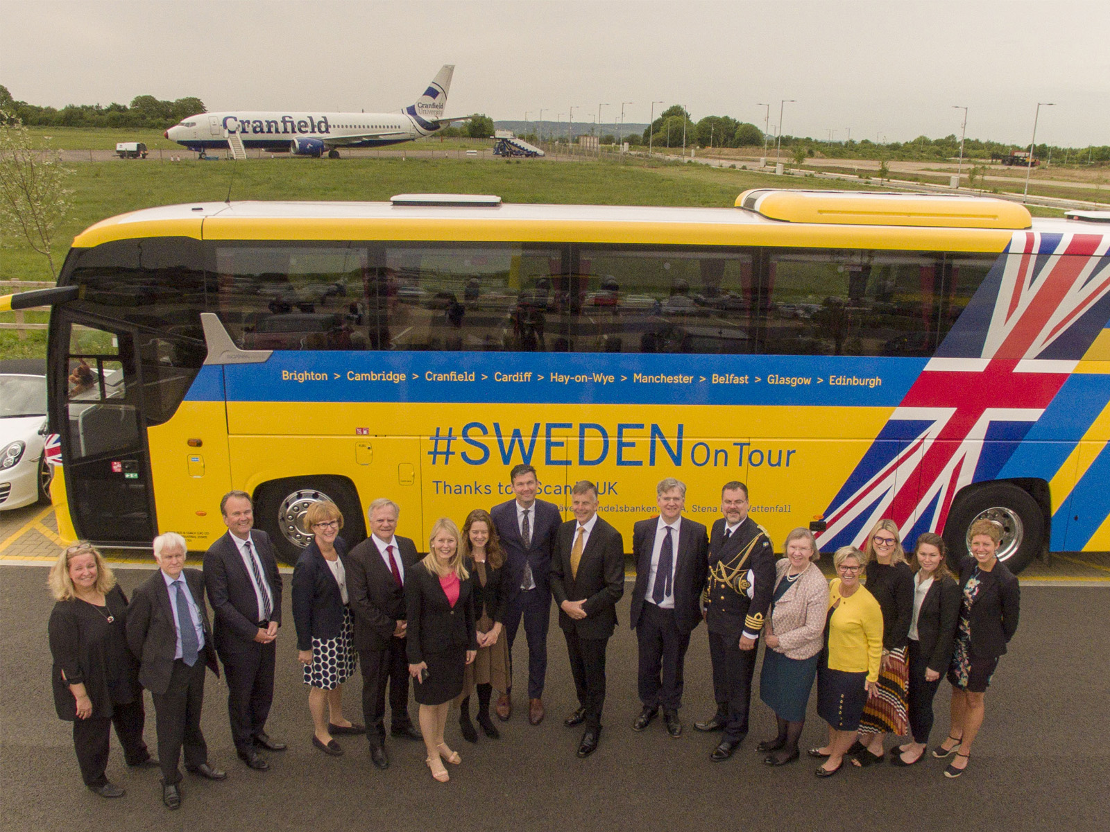 Swedish Ambassador to the United Kingdom, Torjörn Sohlström, with senior representatives of Cranfield University and Saab