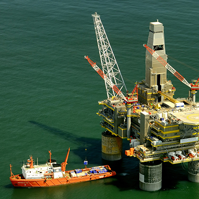oil platform - Flow assurange for oil and gas production